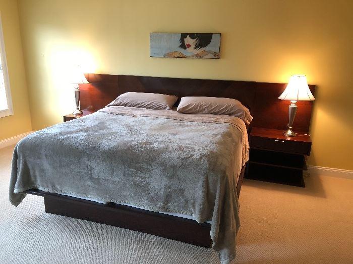 Modern style bedroom set CLEAN !