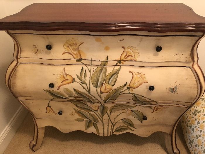 Great painted dresser