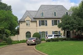 this is the 3 story, 10,000 square foot house
