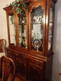 THOMASVILLE CHINA CABINET LOADED WITH CHINA AND CRYSTAL