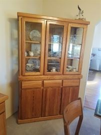 What a beauty...excellent condition Hutch/Curio/China Cabinet