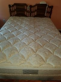 Sleep Number dual controls 4000 - Queen size - Pre-Sale on this bed. Call if interested.