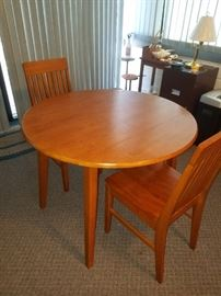 Mission/Shaker Style Chairs and Round Dining Table