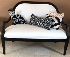 Black & White Settee, Asst Black & White Pillows