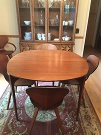 Another view of Mid-century Modern - dining table  China hutch - Brasilia (Broyhill)