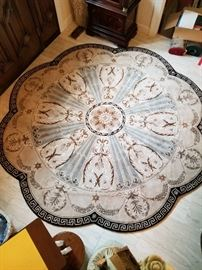 Greek Key Rug - 8' Round Scalloped