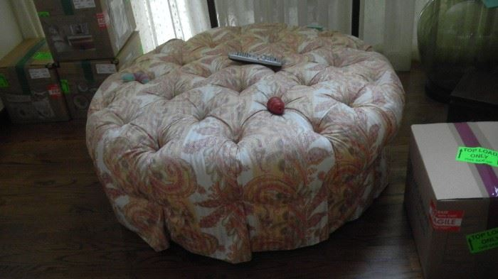"large ottoman, 48"" round"