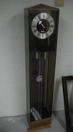 Howard Miller mid century clock (missing minute hand)