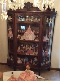 Amazing Barley Twist China/Curio Cabinet.  Perfect condition.