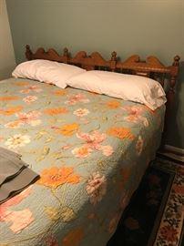 Lovely queen size bed w/headboard