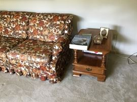 Matching end table - 2 total