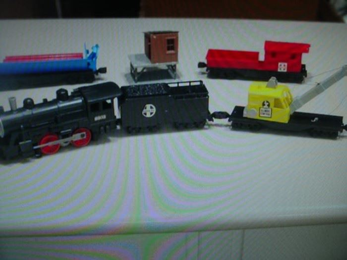 Lionel train set with accessories