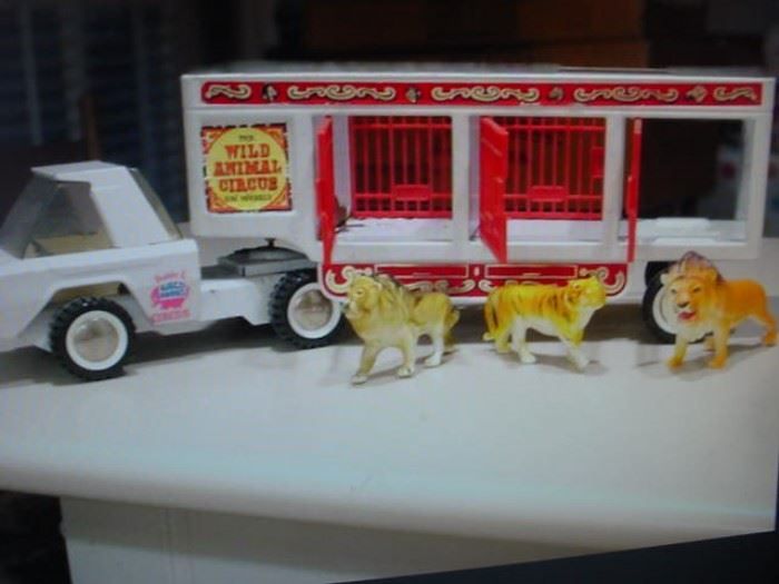 Buddy L Wild Animal Circus truck and animals