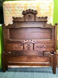 Antique American Victorian Full Size Walnut Bed