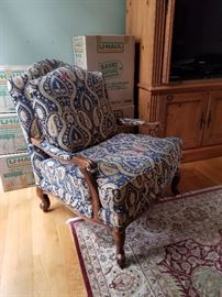 Amazing  chair. perfect condition.