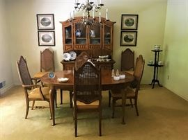 Thomasville China Cabinet, Table and 6 Chairs