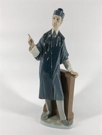 Lladro Barrister #4908    http://www.ctonlineauctions.com/detail.asp?id=734691