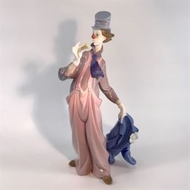 Lladro Clown #6507  http://www.ctonlineauctions.com/detail.asp?id=734697