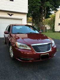 2014 Chrysler 200 - brand new front brakes and roters brand new battery - automatic car starter