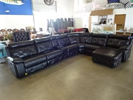 Beautiful Large Sectional Electric Recliners