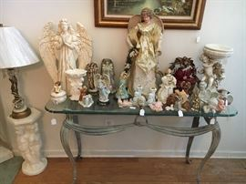 Angels Angels Angels !!!!! Great glass top and iron Sofa/Foyer table