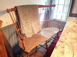 COLONIAL BOW BACK WINDSOR SETTEE