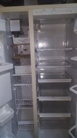 Refrigerator (Owner says the ice machine works