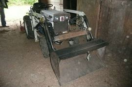 4x4 Diesel Beaver Sato Tractor with bucket and PTO