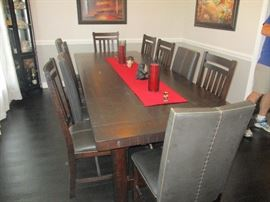 Large dining room table with seating for 10 (extra leaf is not shown)
