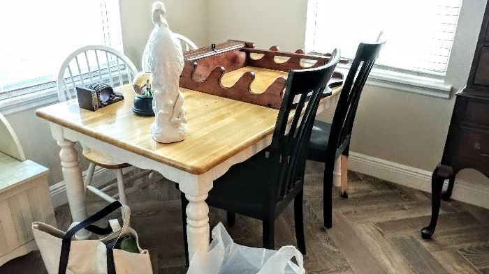 Country style table & chairs