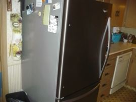 Bottom Freezer Whirlpool Fridge