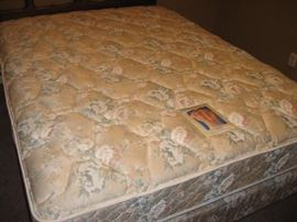 Queen Mattress Set...