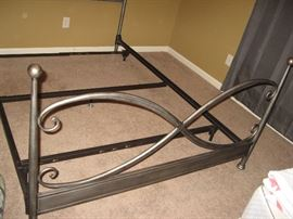 Queen Iron Footboard...