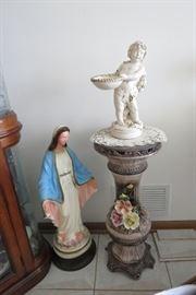 Capodimonte Pedestal