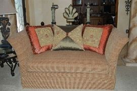 LOVESEAT (HAS MATCHING SOFA)