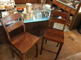 Crate & Barrell 8-piece kitchen set – table, 4 straight back chairs, 1 bench, 2 barstools