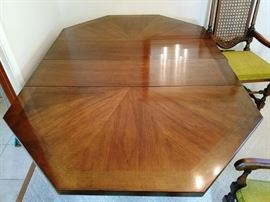 Drexel Hispania Table w/Six Chairs           http://www.ctonlineauctions.com/detail.asp?id=736115