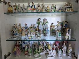 Vintage Porcelain Colonial Figurines