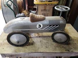3 pedal car