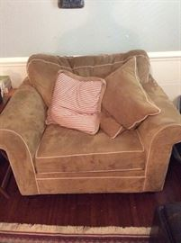 Haverty Furniture armchair and matching ottoman.