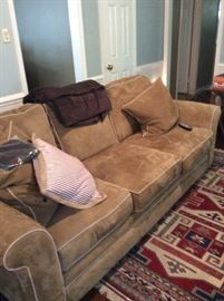 Haverty Furniture sofa.  Excellent condition.
