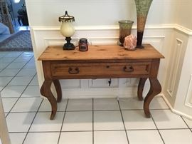 Pine buffet table with carved legs