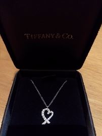 TIFFANY & CO 18K GOLD PICASSO LOVING HEART DIAMOND PENDANT AND NECKLACE IN ORIGINAL BOX