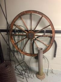 Antiques wagon wheel