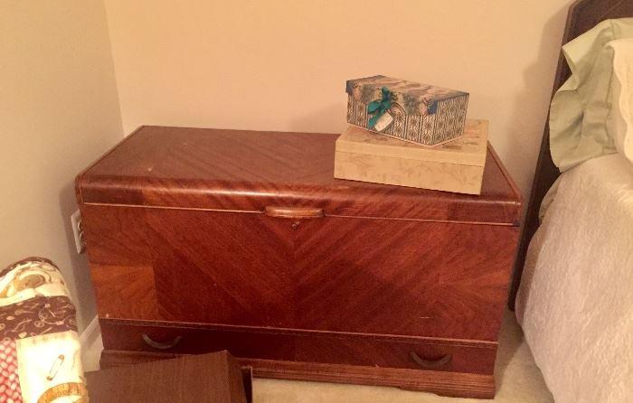 1930's excellent cedar chest