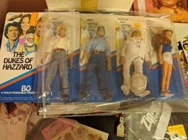 The Dukes of Hazzard 8 in poseable figures-Mint in Package