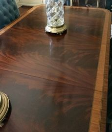 13. Henkel-Harris Crotch Mahogany Inlayed Double Pedestal Dining Table w/ 1 (22'') Leaf (48'' x 80'' x 30'')
