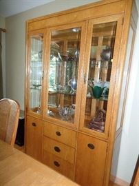 Dining room table w/2 leaves and 6 chairs - 2 arm chairs and 4 side chairs - Matching lighted hutch and bar/server