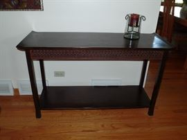 1 of 3 matching tables - Coffeetable, side table and wall/couch table