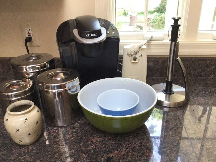 Kitchenware         http://www.ctonlineauctions.com/detail.asp?id=736228